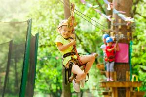Parques de aventura: 6 actividades para niños para disfrutar en familia
