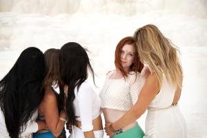 8 frases de sororidad como arma que nos empoderan como mujer