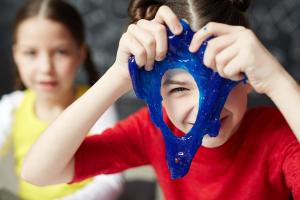 ¿Cómo hacer slime sin borax? Experimentos caseros para hacer con niños