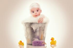 Errores en el baño del bebé: 11 fallos habituales en los padres primerizos