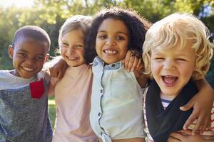 Amigos para siempre: descubriendo el valor de la amistad desde la infancia