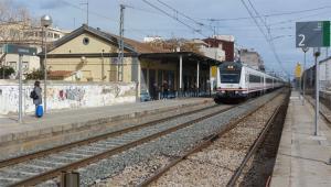 Imatge de l'estació de Cambrils on passarà el tren-tramvia.