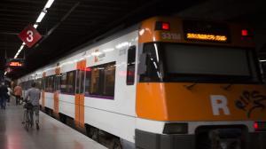 El tren de Rodalies ha trigat hores en arribar a Barcelona des de l'hora prevista de partida.