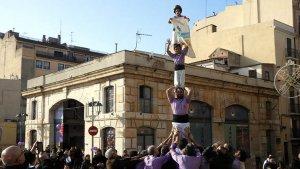 L'actuació de la Colla Jove de Tarragona ha estat una de les activitats en el marc de La Marató
