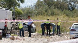 Els Mossos d'Esquadra investiguen 'in situ' les causes de l'explosió de l'habitatge d'Alcanar.