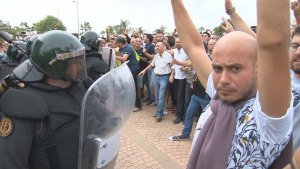Càrregues policials a Sant Carles de la Ràpita durant l'1-O
