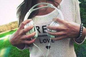 Escolteu música sense límits.