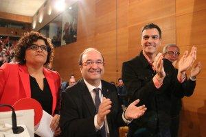 Ibarra, Iceta i el secretari general del PSOE, a Tarragona, durant un míting.