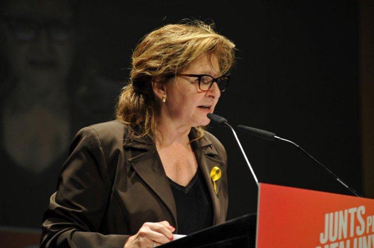 Imatge de Teresa Pallarès durant la presentació de campanya de Junts per Catalunya.