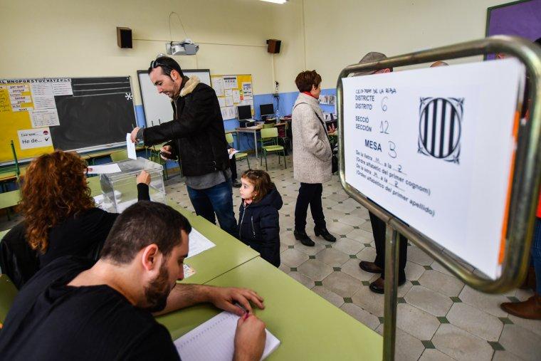 Imatge d'un col·legi electoral de Reus, aquest matí de 21-D.