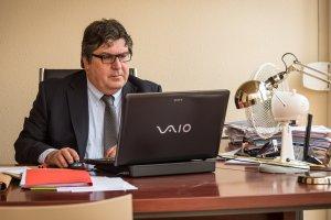 L'advocat Carles Herrera, al despatx de Tarragona.
