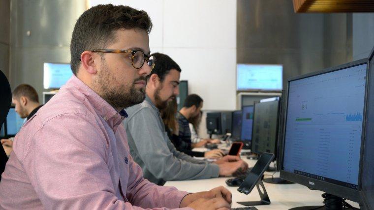 Una redacció moderna i un equip periodístic de primer nivell