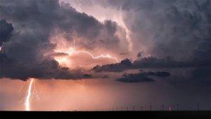 Aquesta matinada poden caure ruixats i tempestes a diverses comarques