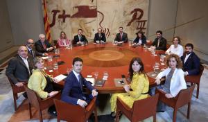 Els nous consellers del Govern amb el president Quim Torra durant la primera reunió.