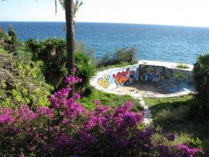 La piscina petita de Cala MOrisca, abans de ser soterrada