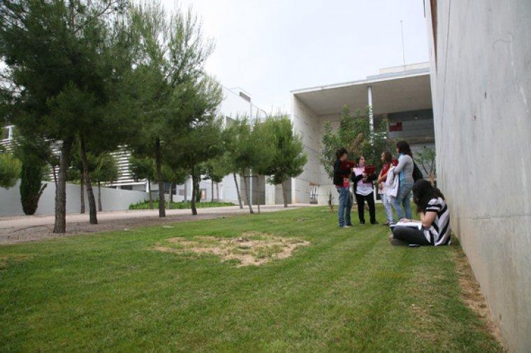 El campus es troba ubicat a l'avinguda Catalunya de Tarragona.