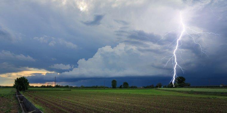 Les tempestes i els ruixats poden aparèixer a diverses comarques aquest dilluns
