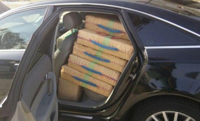 Imatge de farcells de droga interceptats a l'AP-7 pels Mossos.