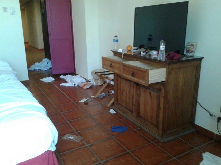 Les cambreres dels pisos de les habitacions dels Jocs Mediterranis es trobaven la mateixa estampa cada dia.