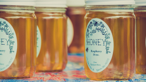 Discover 6 easy-to-make honey recipes.