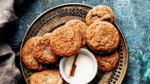 You can add some ground cinnamon or coffee to this butter cookies recipe.