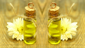 Evening primrose oil has many benefits that are specially indicated for women.