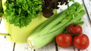 We find out the many healthy benefits of celery for our body with these delicious recipes.