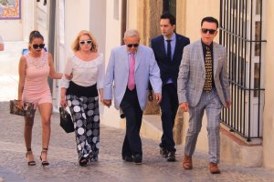 José Ortega Cano, Gloria Camila, Gloria Mohedano y su marido José Antonio en Cádiz