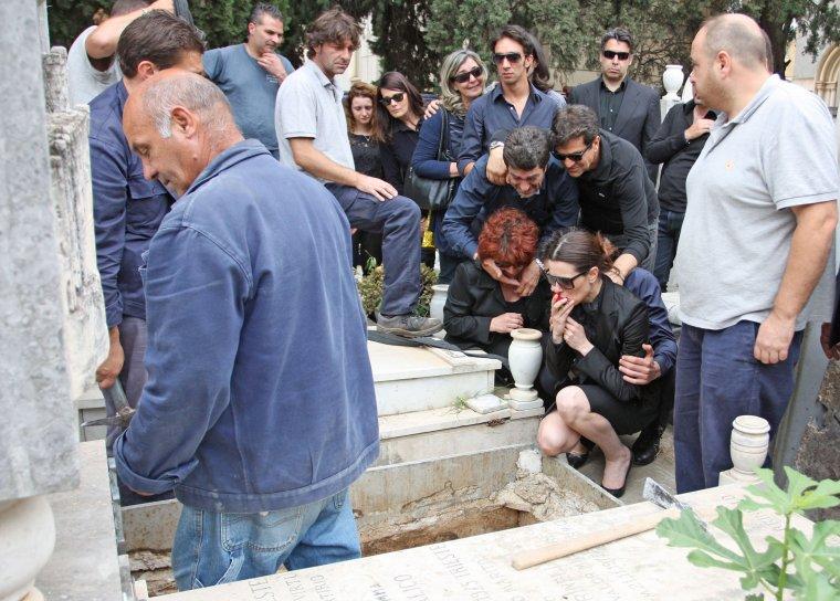 Raquel Sánchez Silva en el entierro de Mario Biondo