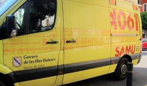 Imagen de archivo de una ambulancia de las Islas Baleares