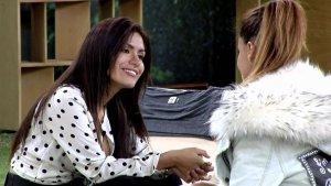 Acercamiento entre Mónica Hoyos y Miriam Saavedra