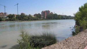 Imagen de archivo del río Ebro a su paso por Zaragoza.