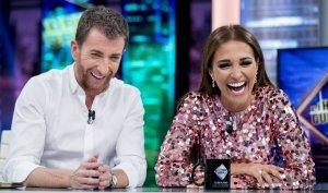 Paula Echevarría junto a Pablo Motos en 'El Hormiguero'