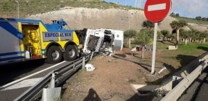 Imagen de como ha quedado el camión.