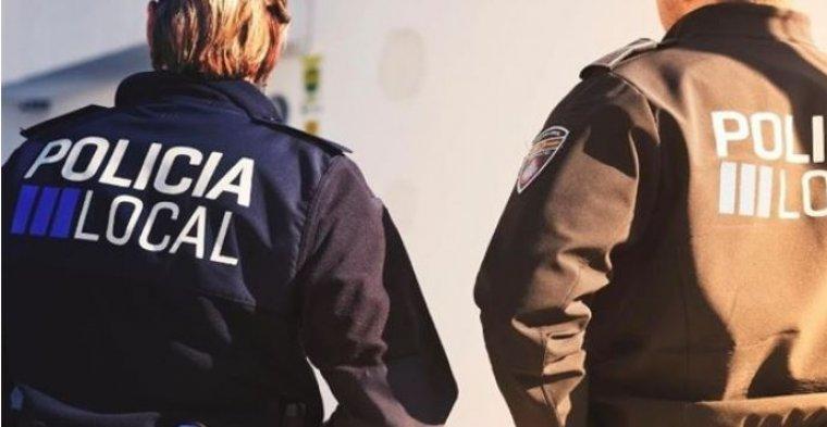 Imagen de archivo de dos agentes de la Policía Local.