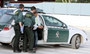 Imagen de un detenido por la Guardia Civil.