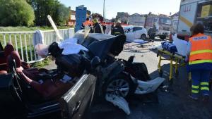 Imagen de los restos de los vehículos después del accidente
