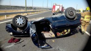 Estado del vehículo tras el accidente en la Z-40.