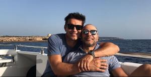 Jesús Vázquez y su marido Roberto