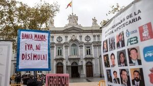 Manifestación contra cláusulas hipotecarias frente al Tribunal Supremo. EFE