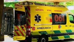 El herido quedó atrapado dentro de su vehículo