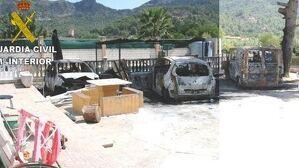 Imagen de cómo ha afectado el incendio a los vehículos