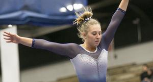 La gimnasta Melanie Coleman durante uno de sus ejercicios