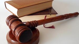 Se ha absuelto al acusado por trastorno bipolar y discapacidad intelectual