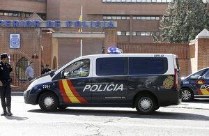 Una furgoneta de la Policía Nacional ante la la Jefatura Superior de Policía, en Madrid