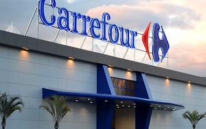 Exterior de un hipermercado Carrefour