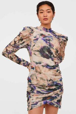 Imagen del vestido drapeado de H&M, febrero 2020