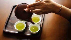 Tres tazas de té verde