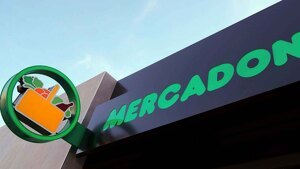 Imagen de un rótulo de un supermercado Mercadona