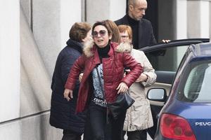 Nuria, pareja de Fran Álvarez, en su entierro, el 11 de febrero de 2020